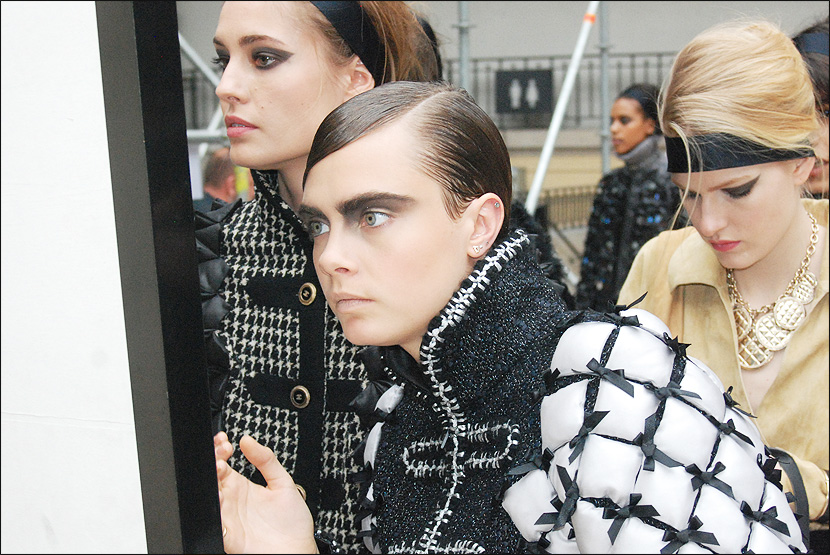 CHANEL_Paris-Fashion-Week_PFW_backstage_Le-mot-la-chose_Stephane-Chemin-Directeur-Artistique-Photographe-freelance_28_Cara-Delevingne
