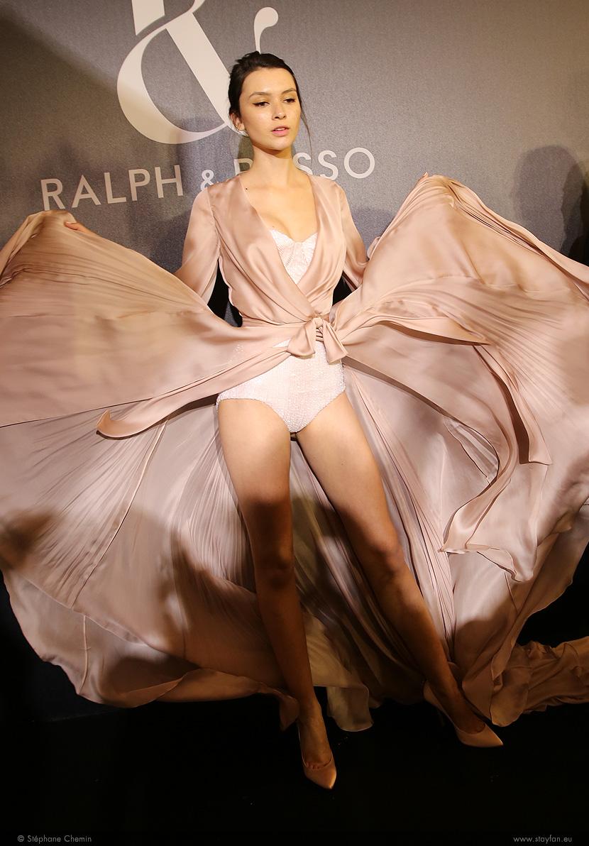B_Ralph-and-Russo_Haute-Couture_ss16_paris-fashion-week_le-Mot-la-Chose_copyright-Stephane-Chemin-photographe-freelance_19_leticia-orchanheski