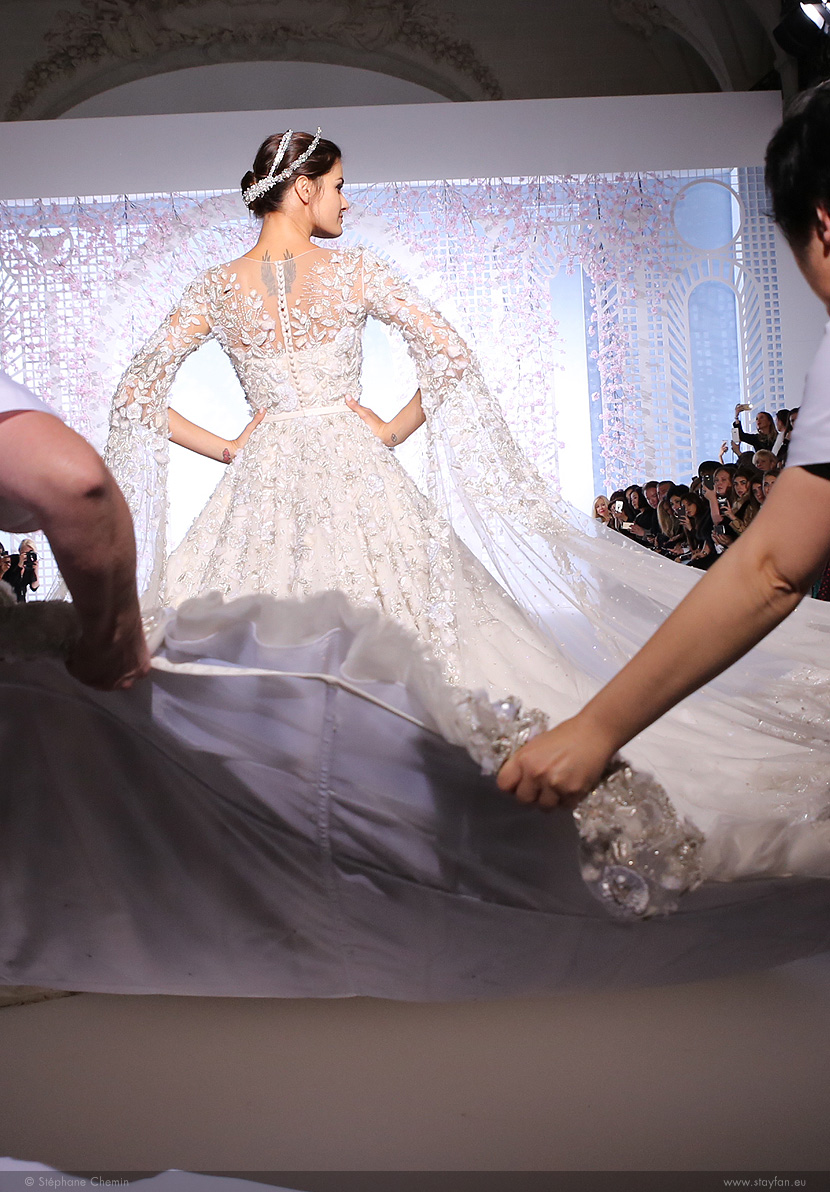 B_Ralph-and-Russo_Haute-Couture_ss16_paris-fashion-week_le-Mot-la-Chose_copyright-Stephane-Chemin-photographe-freelance_24_isabeli-fontana