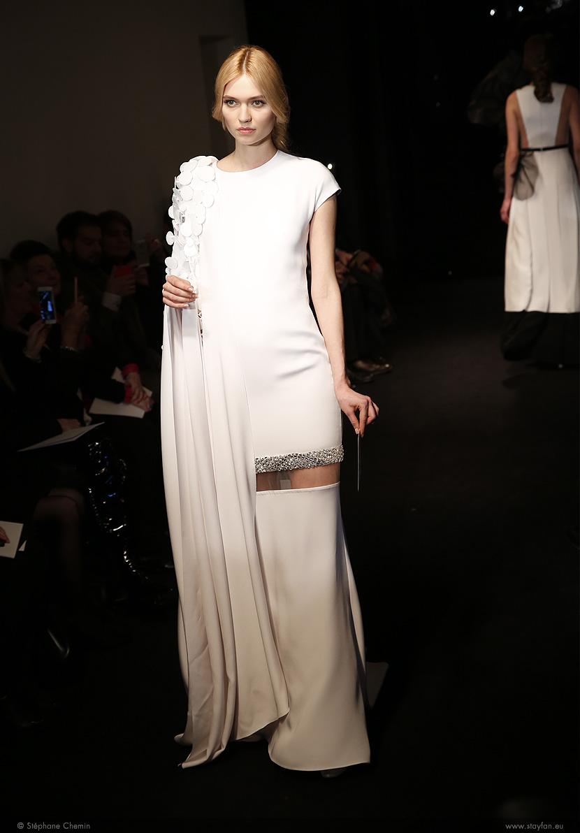 C_Stephane-Rolland_Haute-Couture_ss16_paris-fashion-week_le-Mot-la-Chose_copyright-Stephane-Chemin-photographe-freelance_07_Nastya-Kusakina