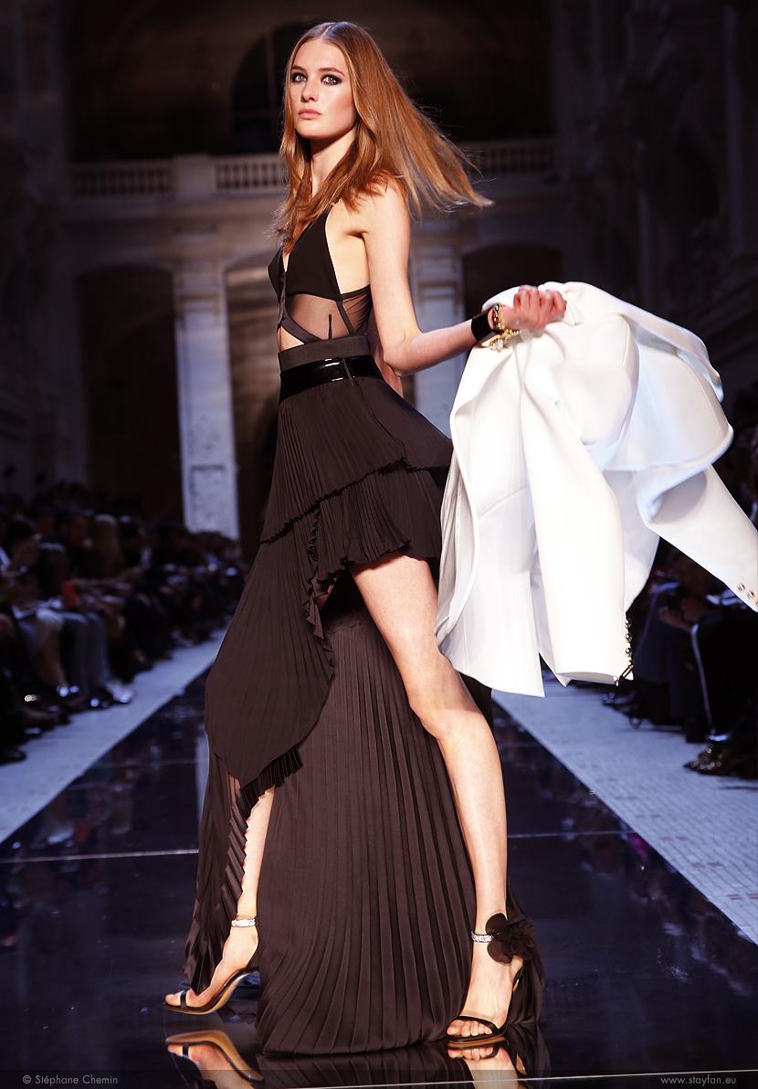 D_Alexandre-Vauthier_Haute-Couture_ss16_paris-fashion-week_le-Mot-la-Chose_copyright-Stephane-Chemin-photographe-freelance_18_Sanne-Vloet